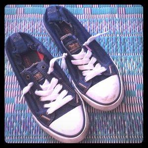 Denim Levi's tennis shoes!  For buyer💛